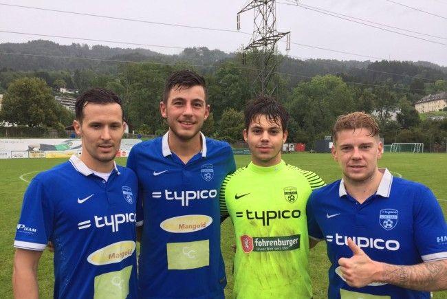 Der SV typico Lochau feierte den ersten Heimsieg: Die Torschützen Fabian Fink, Fabio Feldkircher und Stefan Maccani mit Tormann Sandro Eichhübl.