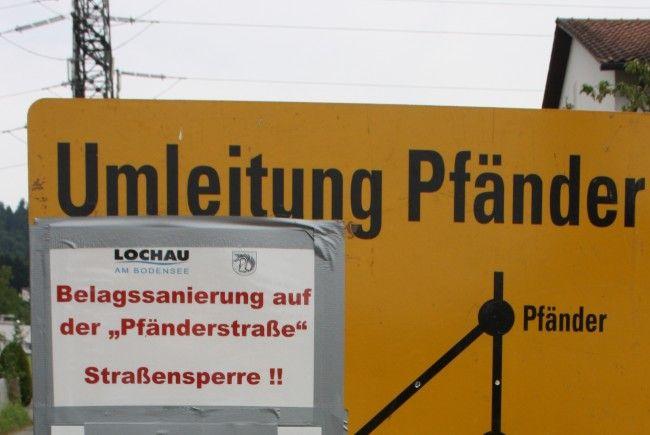 Die Pfänderstraße muss wegen Sanierungsarbeiten gesperrt werden, die Umleitungsroute ist ausgewiesen.
