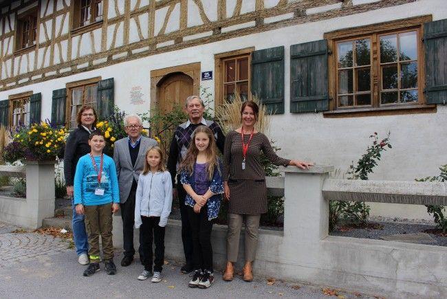 """Das alte Schulhüsle im Lochauer Ortszentrum öffente am """"Tag des Denkmals"""" für die breite Öffentlichkeit seine Türen."""