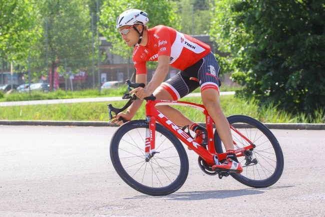 Matthias Brändle gewinnt das Einzelzeitfahren der Dänemark-Rundfahrt.
