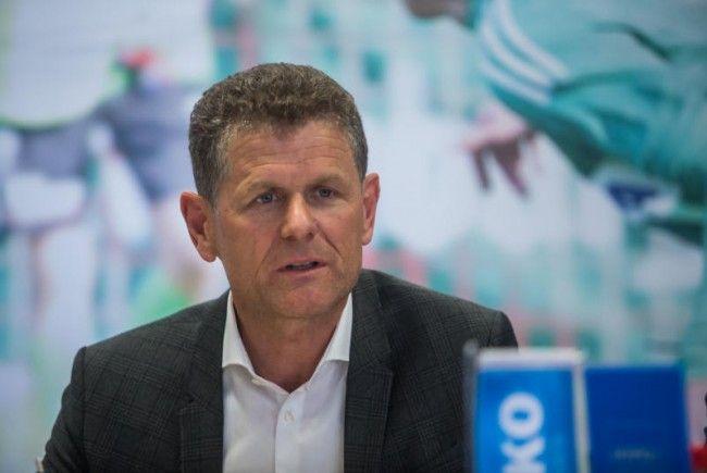 1b-Reform tritt in Kraft – Protest von 23 Vereinen abgelehnt