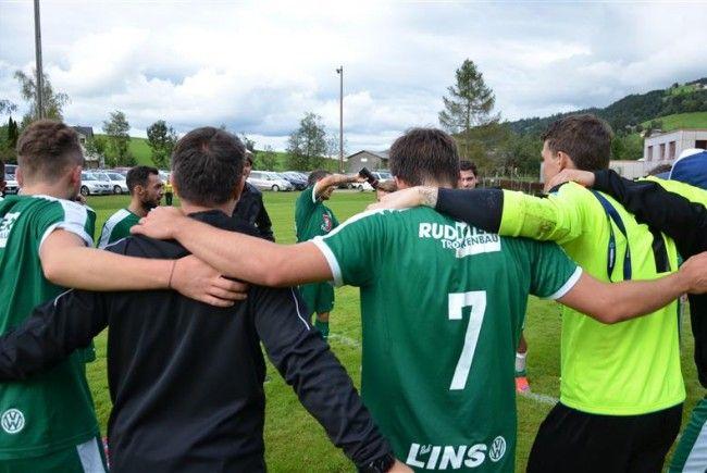 Freude über den 2:4 Sieg bei der Rätia