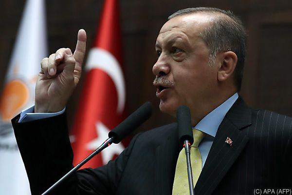Erdogan will Grenzen zum Irak schließen und Luftraum sperren