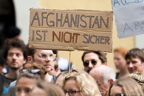 Amnesty: Abschiebungen nach Afghanistan sind völkerrechtswidrig