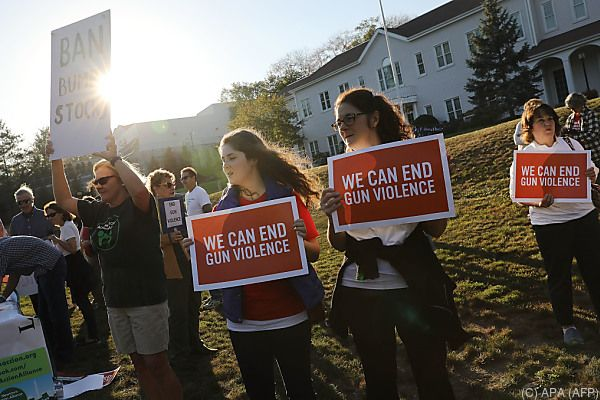 Viele US-Bürger sprechen sich für schärfere Waffengesetze aus