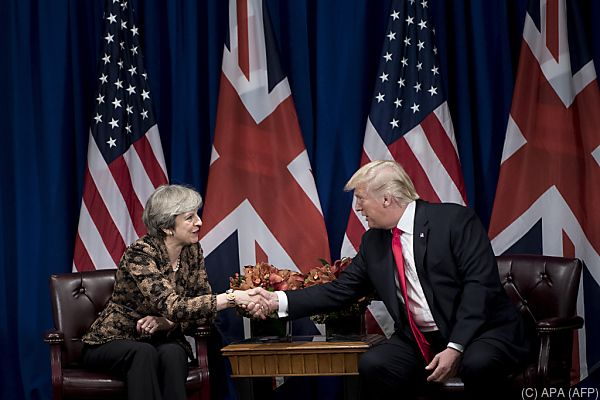 Premierministerin May versucht auf US-Präsident Trump einzuwirken