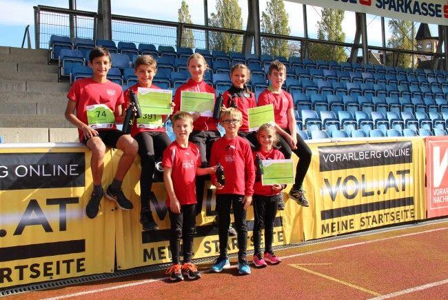 Die Läufer der TS Bregenz Vorkloster feierten beim Kindermarathon drei Siege, zwei zweite und drei dritte Plätze.