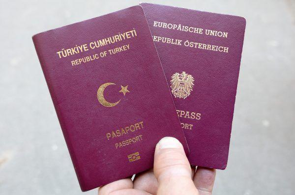 Dutzende Doppelstaatsbürgerschaften werden vom Land geprüft
