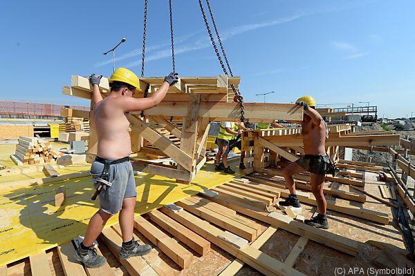 Die Gewerkschaft Bau-Holz hat eine Beschwerde an die EU-Kommission geschickt.