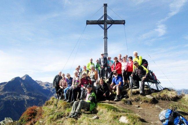 Bei herrlichem Sonnenschein konnten die Wanderfreunde vom Seniorenbund den Gipfel geniessen