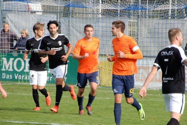 Die 400 Zuschauer bekamen beim Spiel SW Bregenz gegen SC Admira Dornbirn ein turbulentes Spiel geboten.