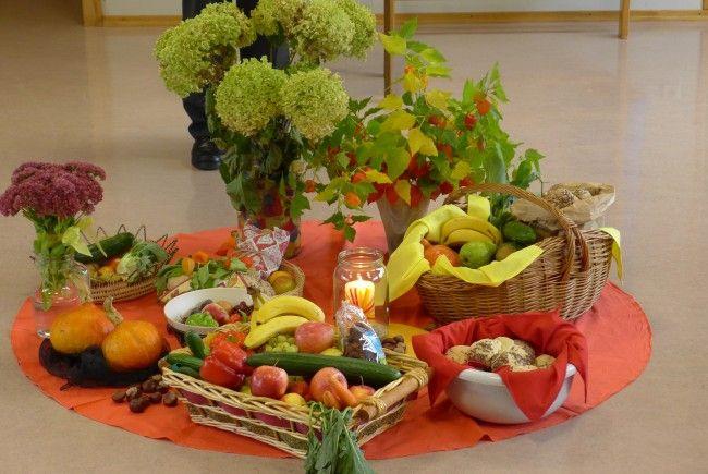 Wir danken für das Brot, die Früchte und alle Lebensmittel